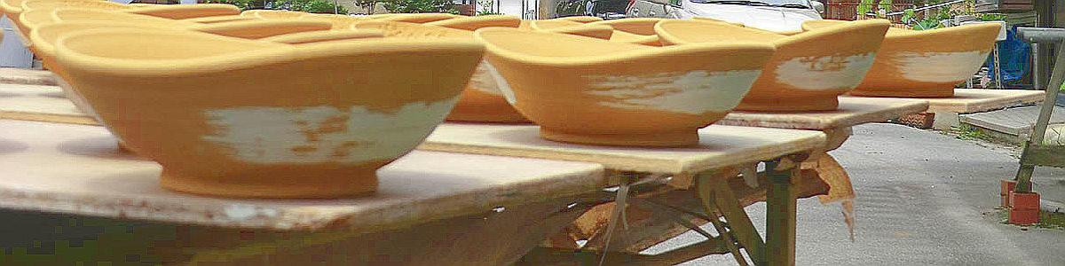 炭山の豊かな自然に育まれる陶芸品